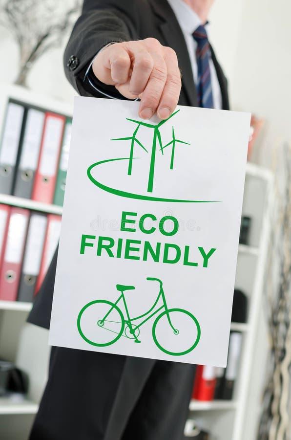 Eco vriendschappelijk die concept door een zakenman wordt getoond royalty-vrije stock foto's