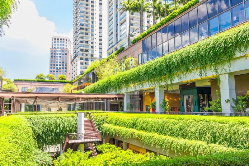 Ecologic byggnadsshoppinggalleria i Sao Paulo royaltyfri foto