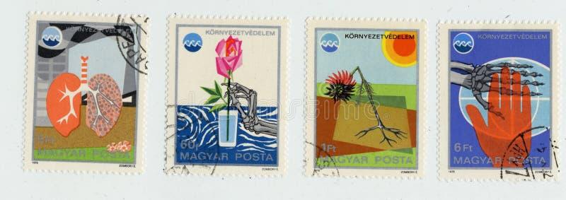 Ecologie op zegels in Hongarije in 1975 worden afgedrukt die royalty-vrije stock foto