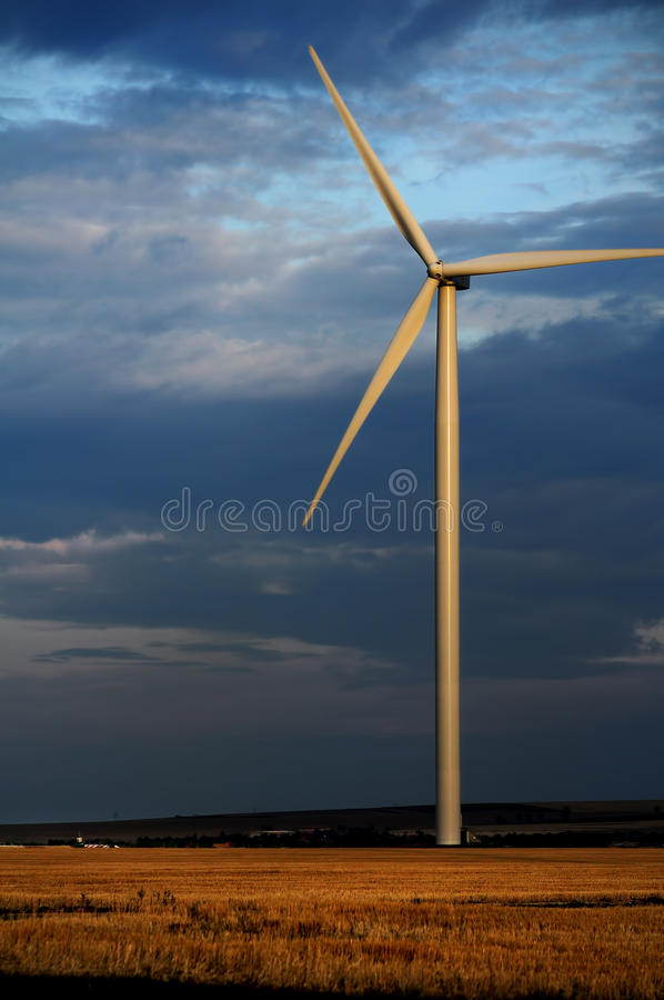 Ecomacht bij nacht stock fotografie