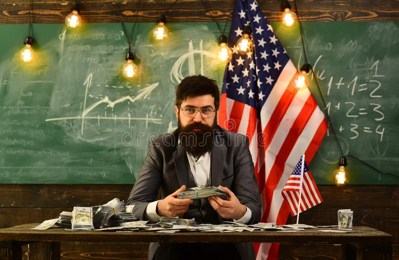 Economia e finan?a Patriotismo e liberdade Dia da Independ?ncia de EUA Reforma americana da educa??o na escola o 4 de julho imagem de stock