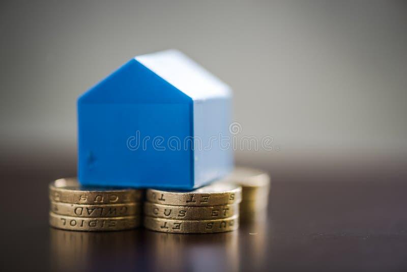Economias dos compradores de casa da primeira vez imagem de stock