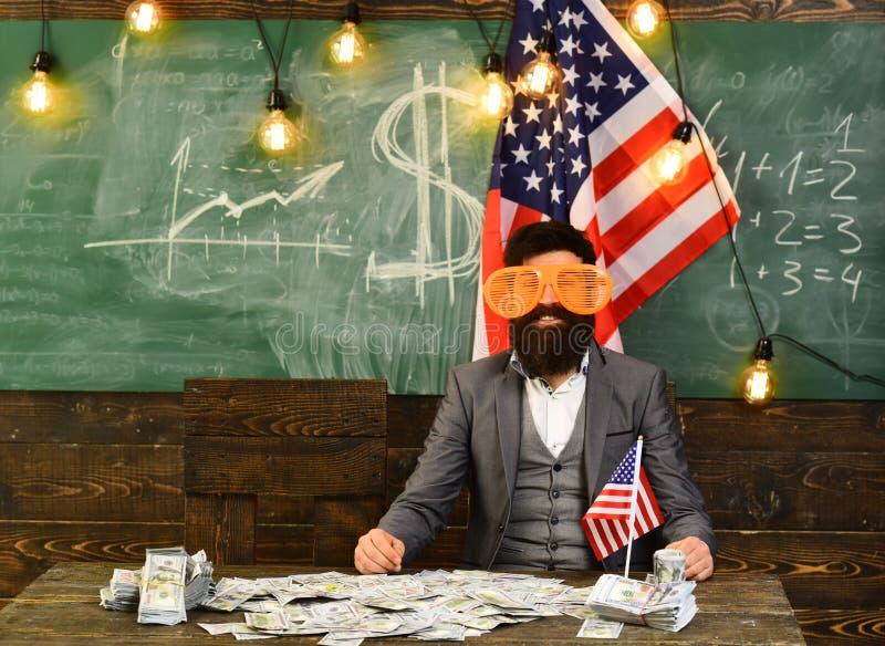 Economie en financiën Patriottisme en vrijheid Amerikaanse onderwijshervorming op school in 4 juli Inkomen planning van begroting royalty-vrije stock fotografie