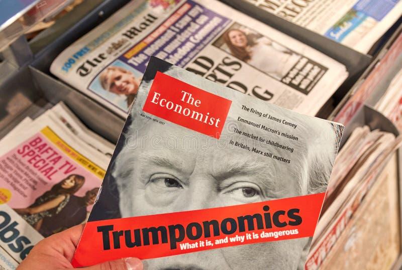 The Economist tidskrift med Donald Trump på titelsidan royaltyfria bilder