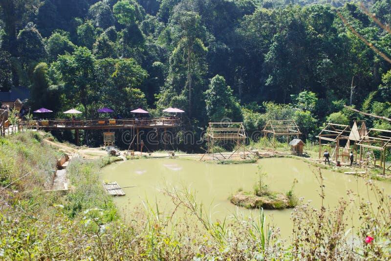 Ecotourism miejscych przeznaczeń Hoa syn Dien Trang - nowy turysty park w górach Wietnam miasta Da Lat zdjęcia stock