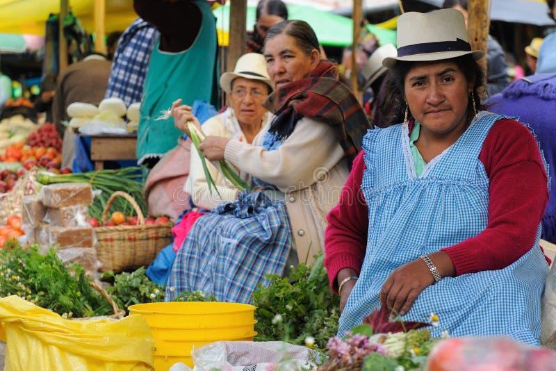 Ecuador marknad i den Gualaceo byn arkivfoto
