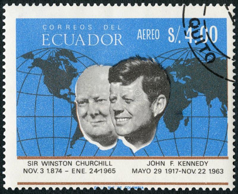 ECUADOR - 1966: toont Portret van John Fitzgerald Kennedy 1917-1963 en Sir Winston Spencer Churchill 1874-1965 stock foto's