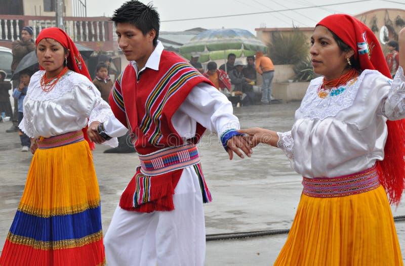 ecuadorian платья традиционный стоковое изображение rf