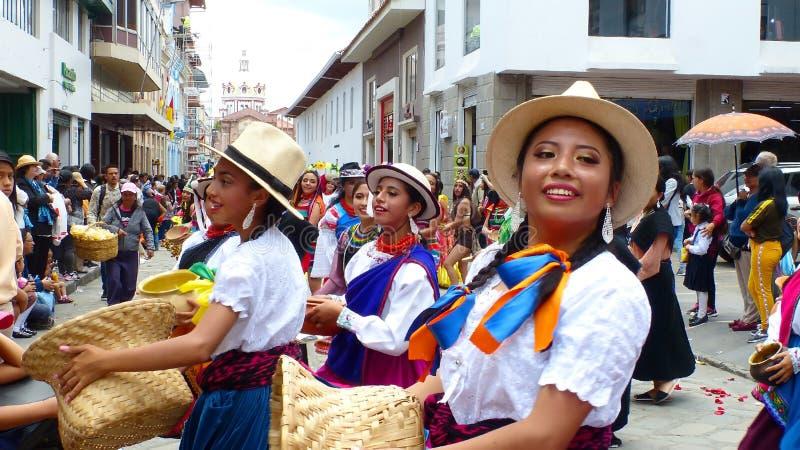 Ecuatoriaanse volksdanserscuencano, canari, cayambe, Ecuador stock afbeeldingen