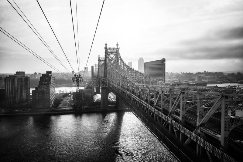 Ed Koch Queensboro Roosevelt i mostu wyspy tramwaj obrazy royalty free