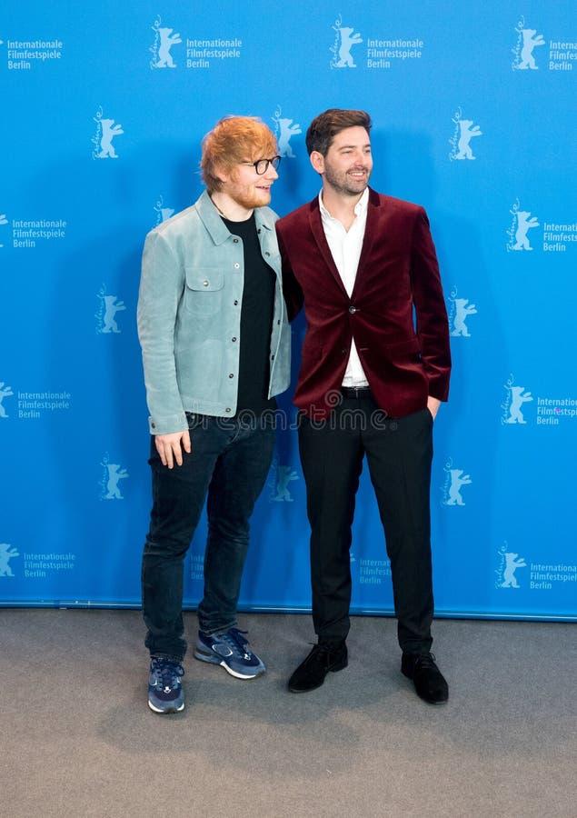 Ed Sheeran och Murray Cummings poserar under Berlinale 2018 royaltyfri foto