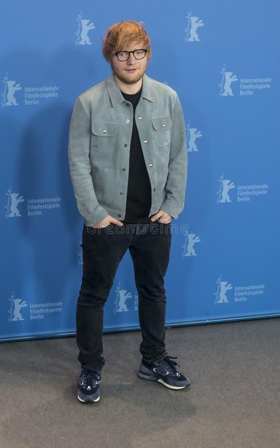 Ed Sheeran poserar under Berlinale 2018 royaltyfri bild