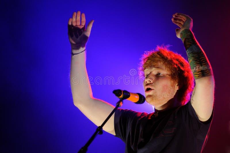 ED Sheeran presteert in FIB stock foto's