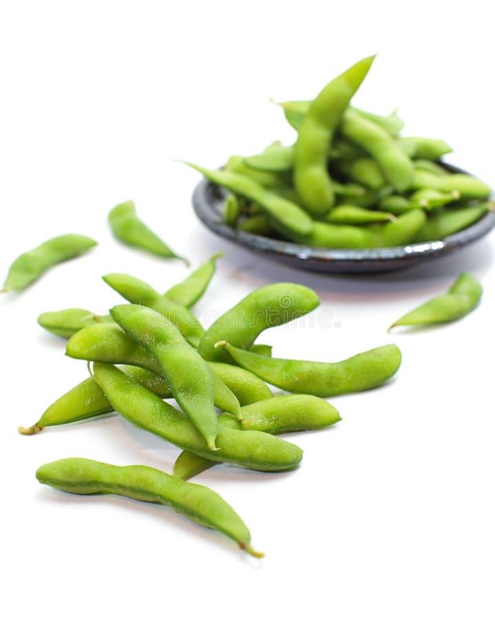 Edamame knaprar, kokade gröna soybönor, japansk mat arkivbild