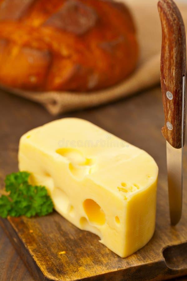 Edamski ser z chlebem fotografia stock