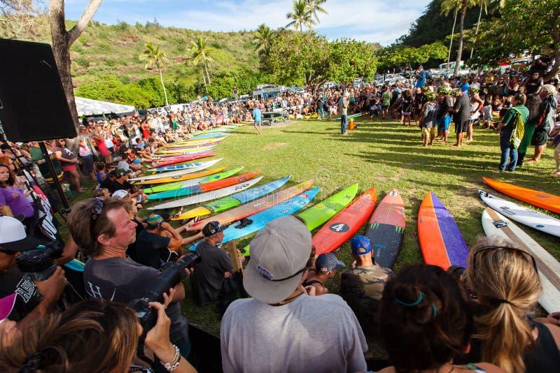 Eddie Aikau traditionell hawaiansk öppningscermoni arkivbilder