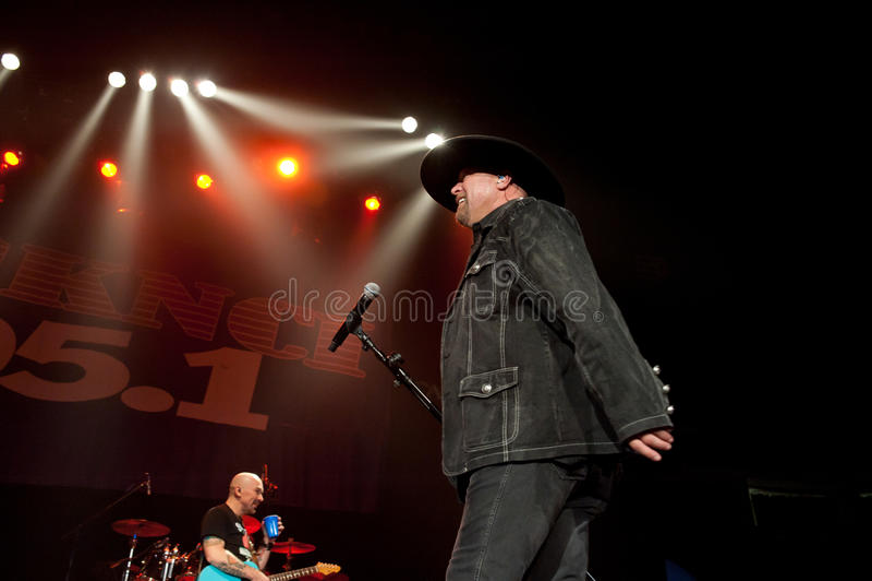 Download Eddie Montgomery editorial photo. Image of power, performer - 22434916