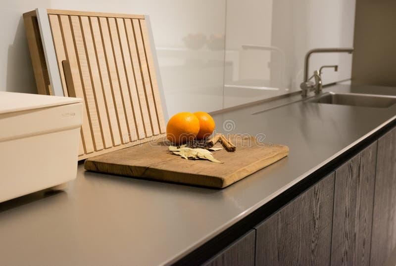 Edelstahl-Küchenarbeitsplatte Stockfoto - Bild: 48497745 | {Edelstahl küchenarbeitsplatte 17}