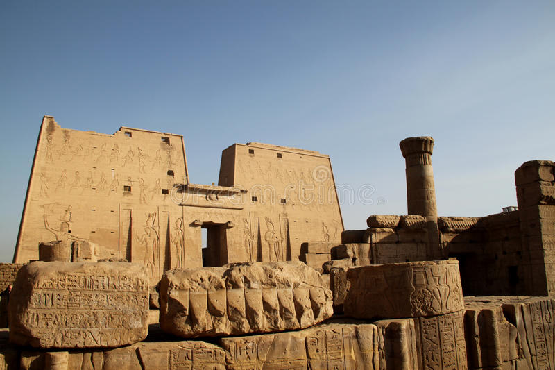 edfuegypt tempel royaltyfri bild