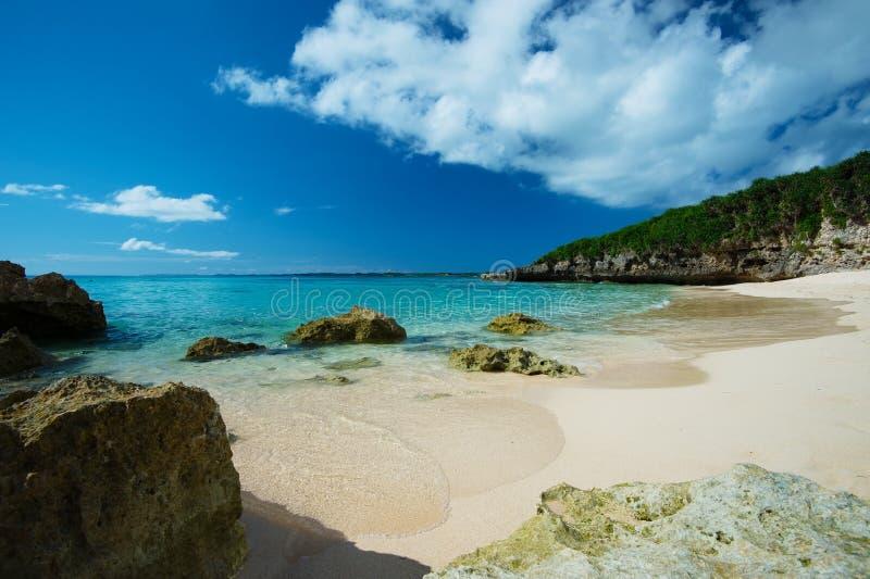 The Edge du ressac en plage de SUNAYAMA, Okinawa Prefecture /Japan photographie stock libre de droits