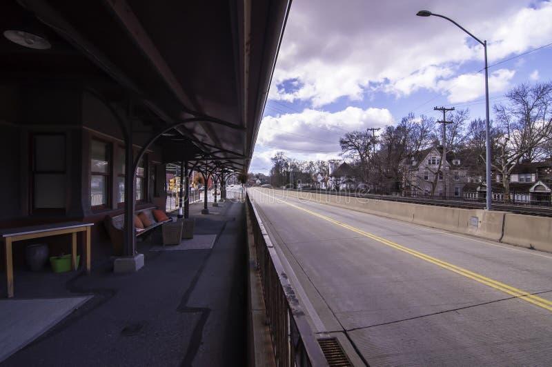 Edgewood, Pennsylvania, de V.S. 3/17/2019 Martin Luther King Jr East Busway die het oosten kijken royalty-vrije stock foto's