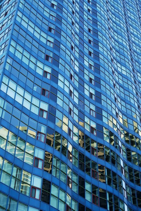 Edifício azul ondulado imagens de stock
