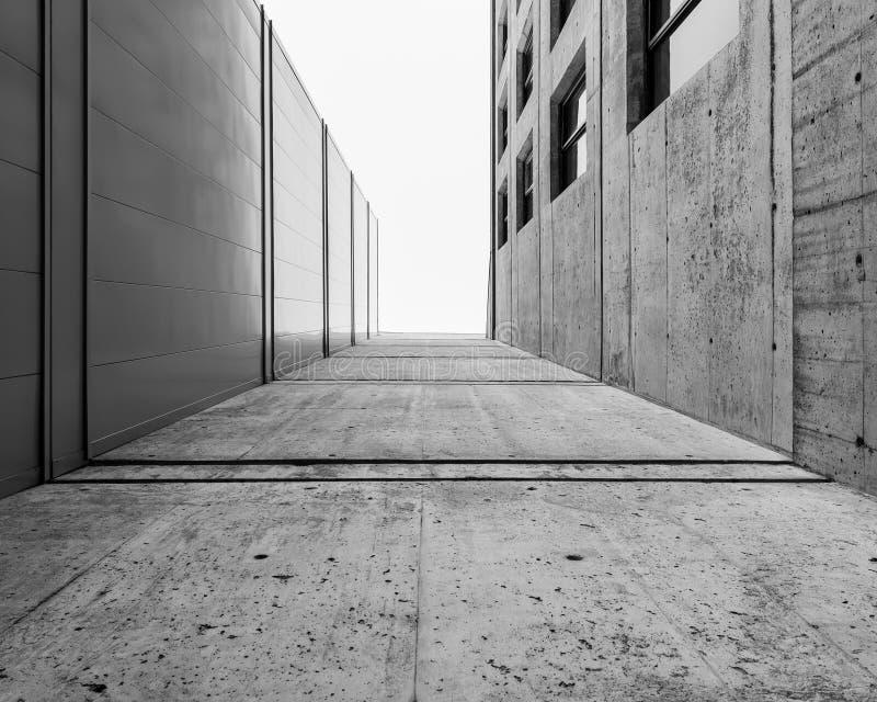 Edifício concreto e de vidro fotografia de stock