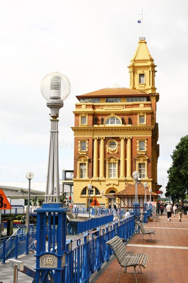 Edifício da balsa em Auckland fotos de stock