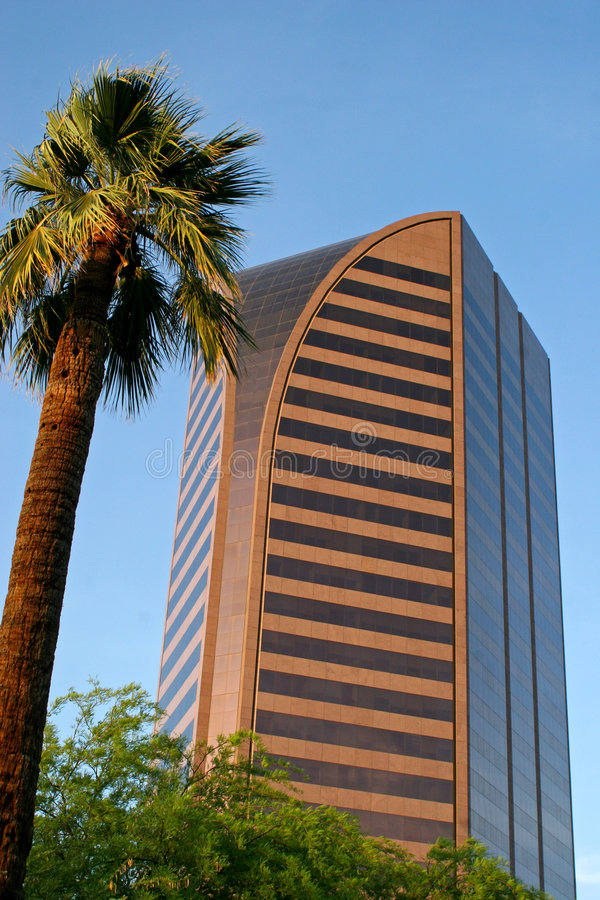 Edifício da parte alta da cidade moderno de Phoenix imagens de stock