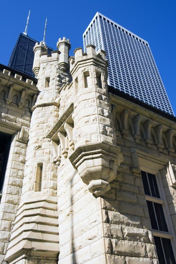 Edifício da torre de água em Chicago imagens de stock