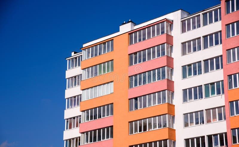 Edifício de apartamento foto de stock