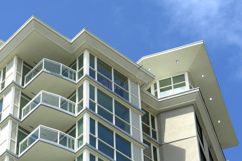 Edifício de apartamento moderno foto de stock royalty free