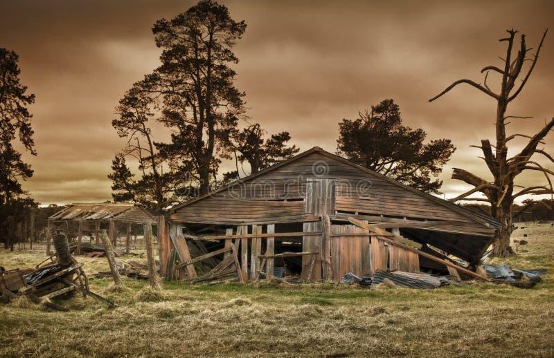 Edifício de exploração agrícola velho fotografia de stock