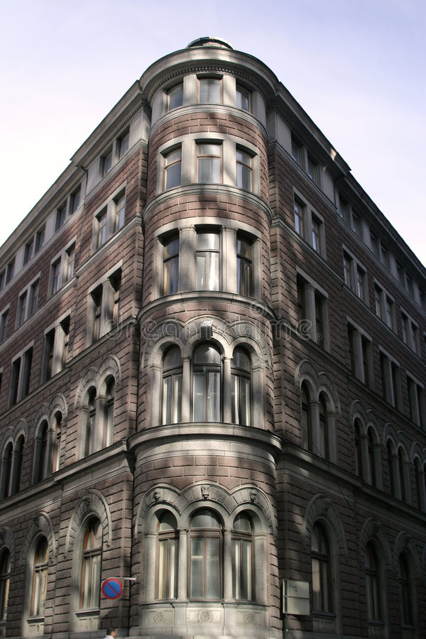 Edifício de tijolo de canto fotografia de stock