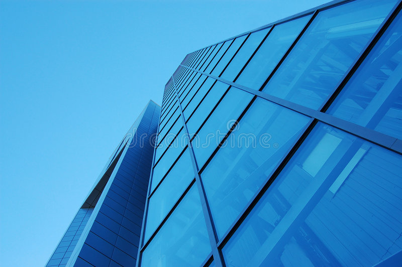 Edifício de vidro azul fotos de stock royalty free