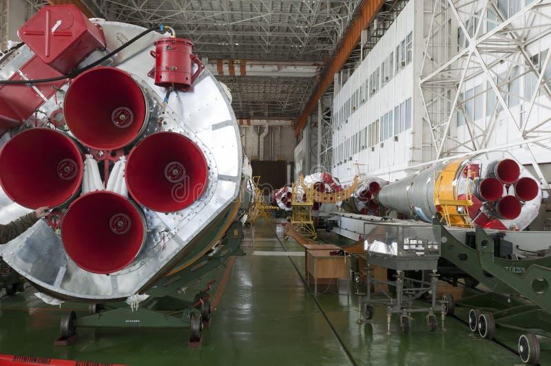 Edifício do conjunto do foguete de espaço de Soyuz fotos de stock