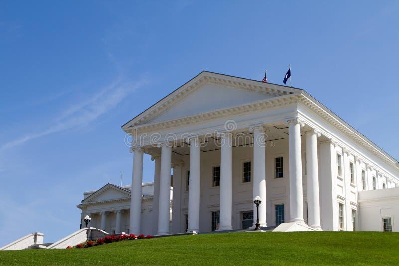 Edifício do Statehouse de Virgínia imagens de stock