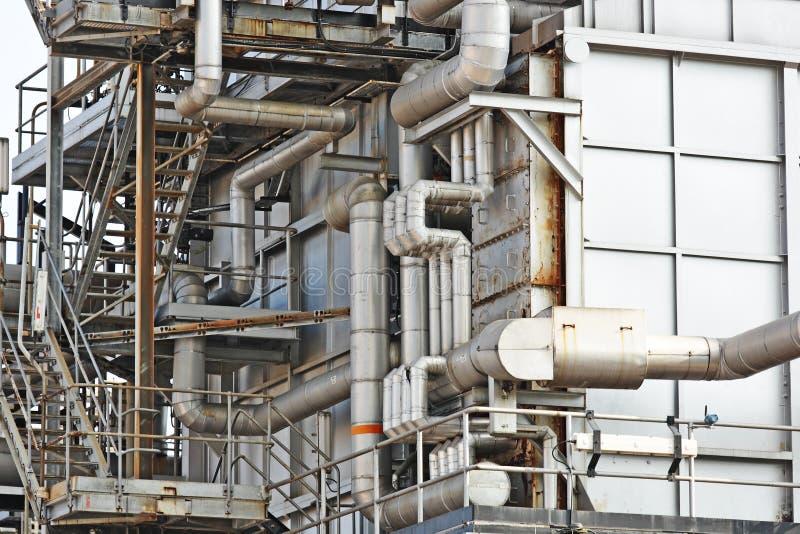 Edifício industrial, encanamentos de aço imagens de stock royalty free