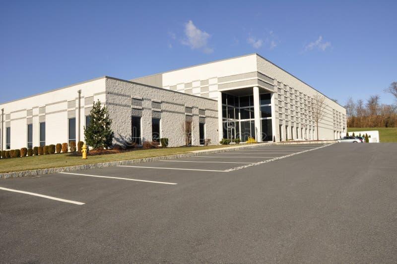 Edifício industrial moderno fotografia de stock royalty free