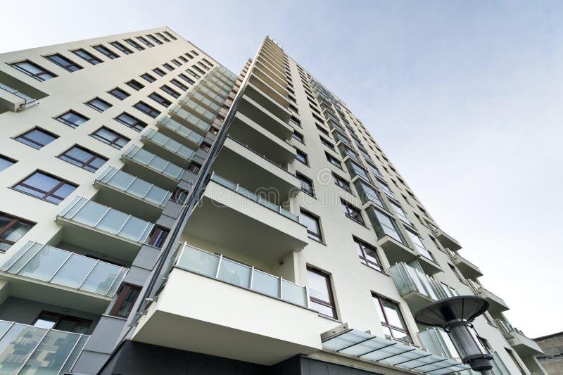 Edifício moderno dos bens imobiliários fotografia de stock