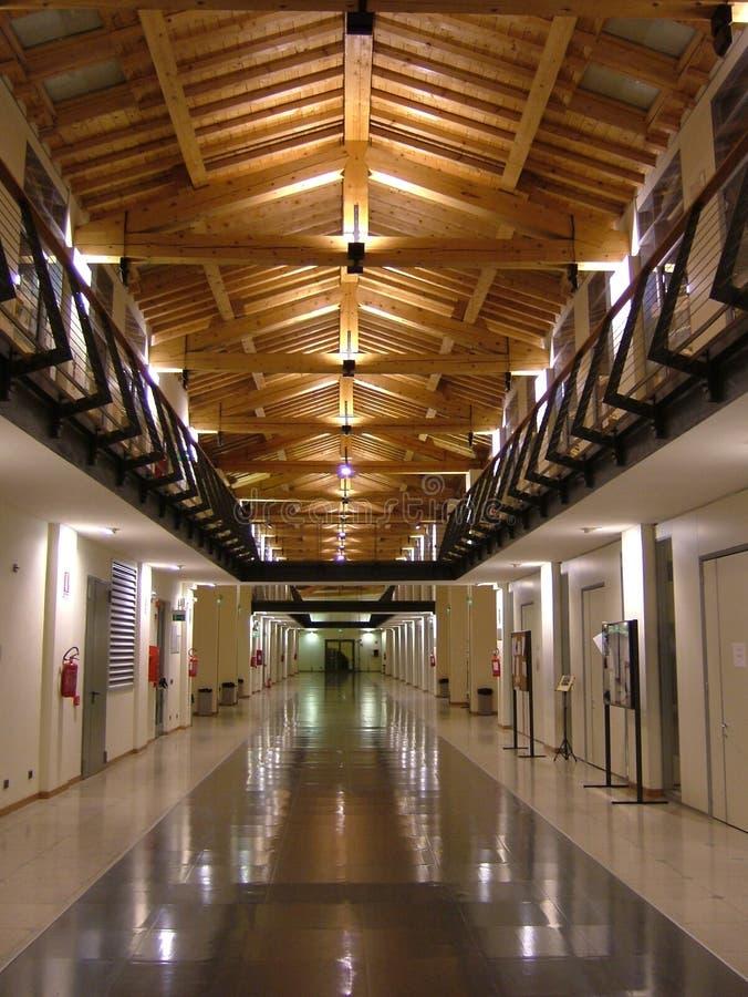 Edifício moderno - universidade de Modena e Reggio Emilia fotos de stock