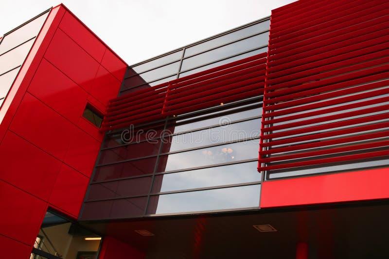 Edifício moderno vermelho foto de stock royalty free