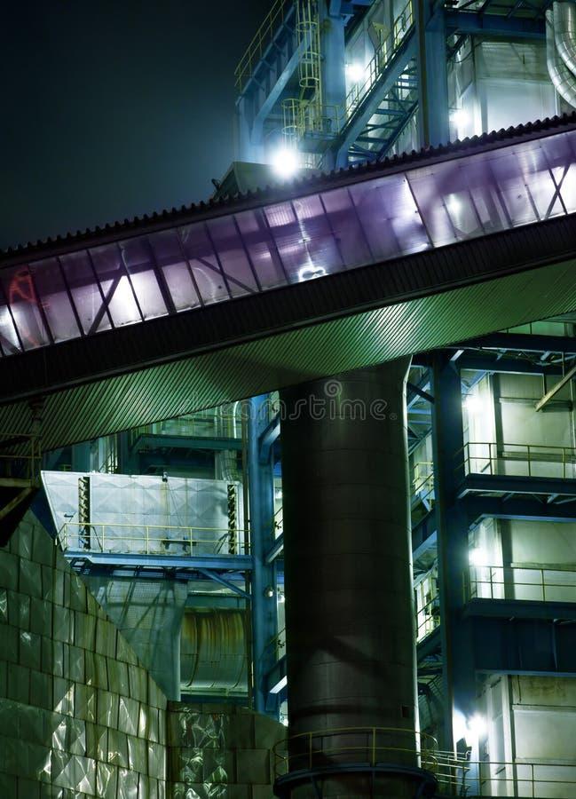 Edifício nocturno da indústria fotos de stock