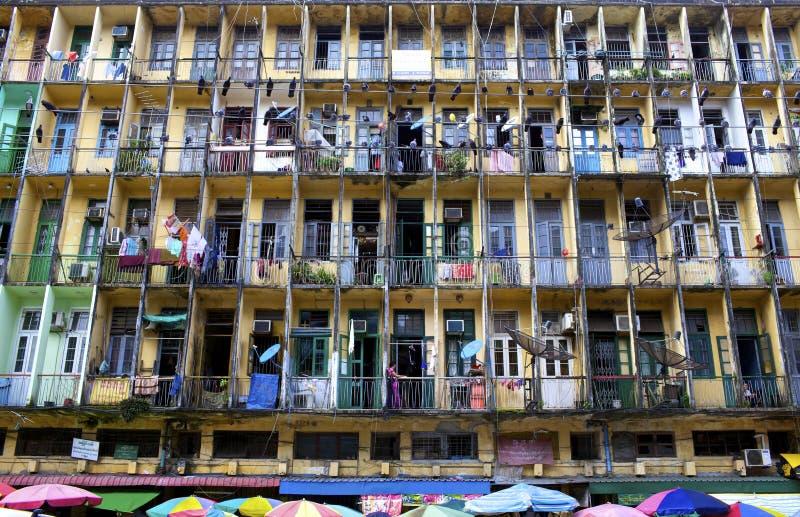 Edifício residencial de Yangon fotos de stock royalty free