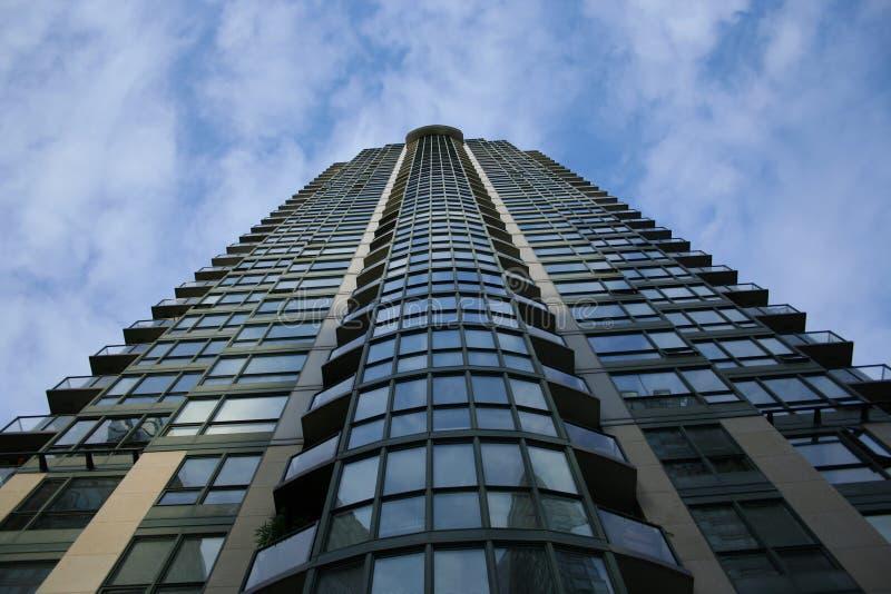 Edifício residencial luxuoso alto foto de stock