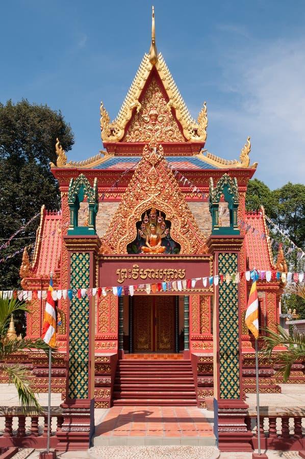 Edifício rica ornamented do templo em Cambodia foto de stock