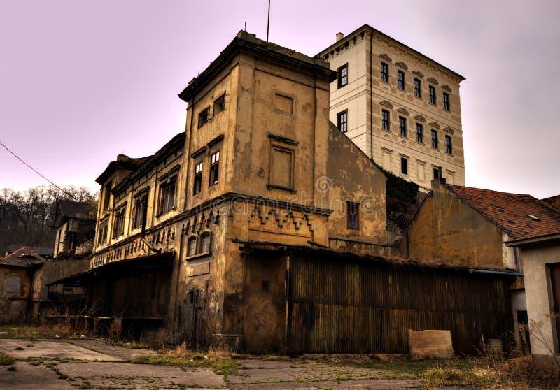Edifício velho da cervejaria imagens de stock