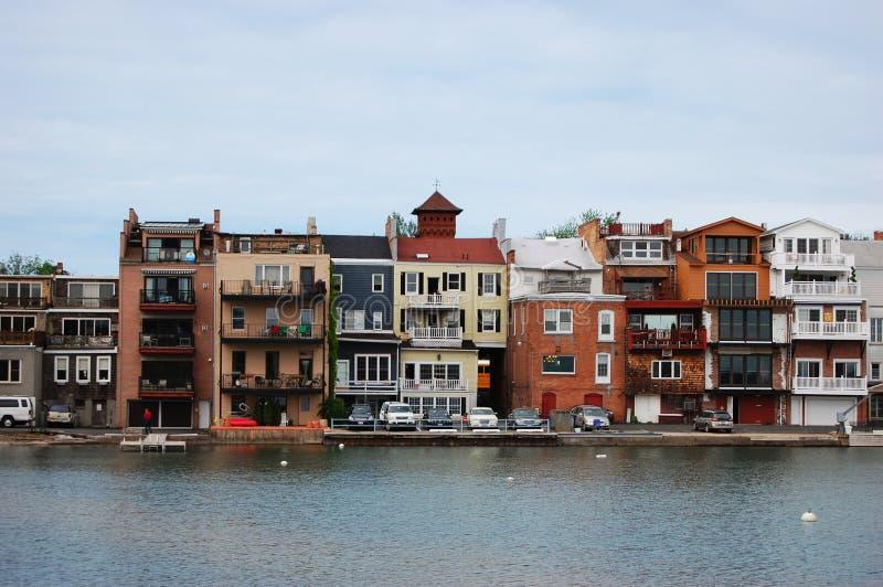 Edifícios ao lado do lago, Skaneateles, New York fotografia de stock