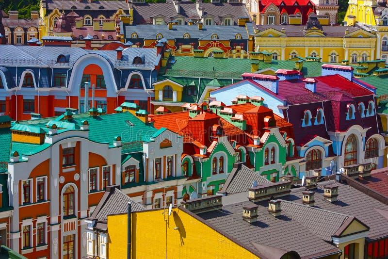 Edifícios coloridos em Kiev imagem de stock