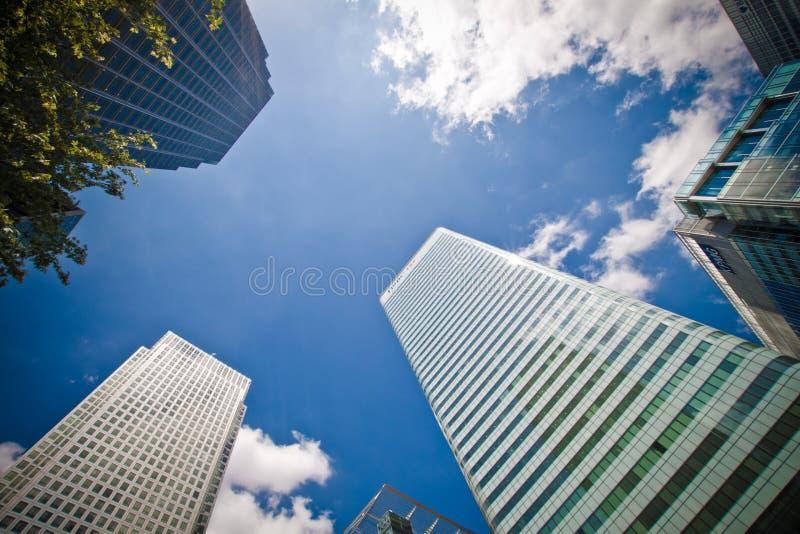 Edifícios corporativos no quadrado de Canadá, Londres fotografia de stock royalty free